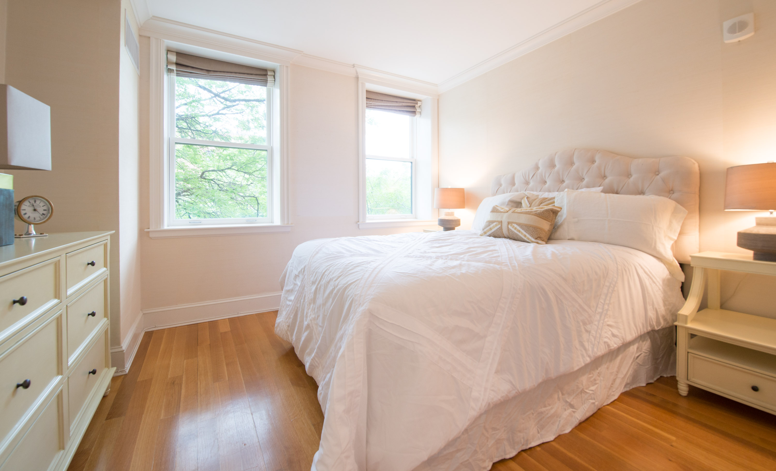 BarthRealEstatePhoto-1-14Back Bay - Beacon Street